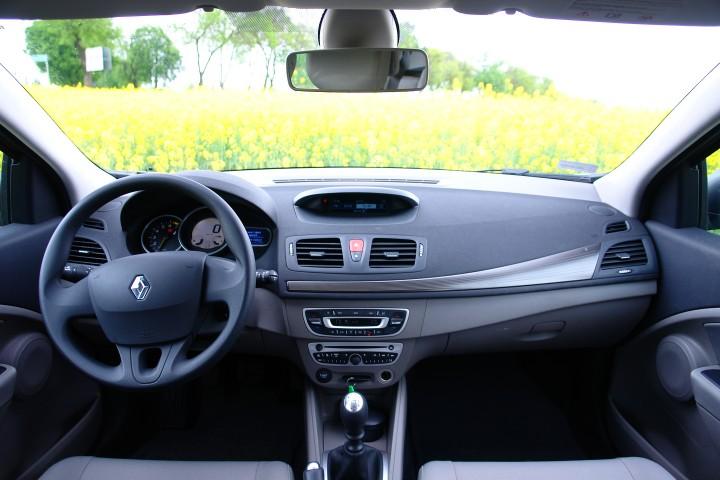 Czy Wiesz Jak Naprawić Oświetlenie Wnętrza W Renault Scenic