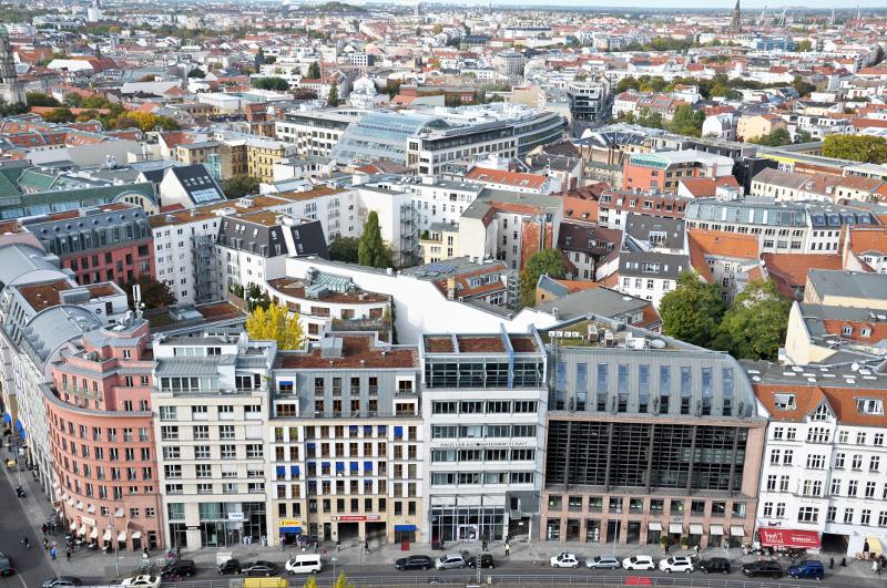 Spadek oferty mieszkaniowej na kluczowych rynkach w Polsce