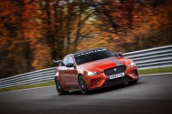 Jaguar XE SV Project 8 / fot. Jaguar